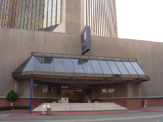 Grand Hotel Tijuana: Main Entrance