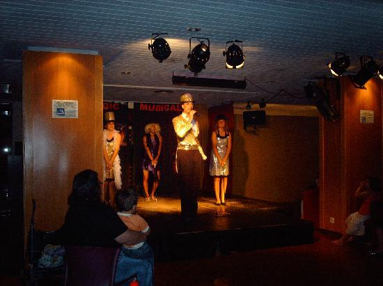 MedPlaya Hotel Santa Monica: entertainment team