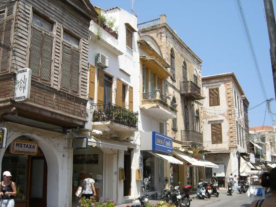 Olga's Pension: surrounding venitian wooden buildings, Rethymno