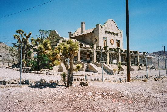 Motel 6 Beatty / Death Valley: at Rhyolite ghost town