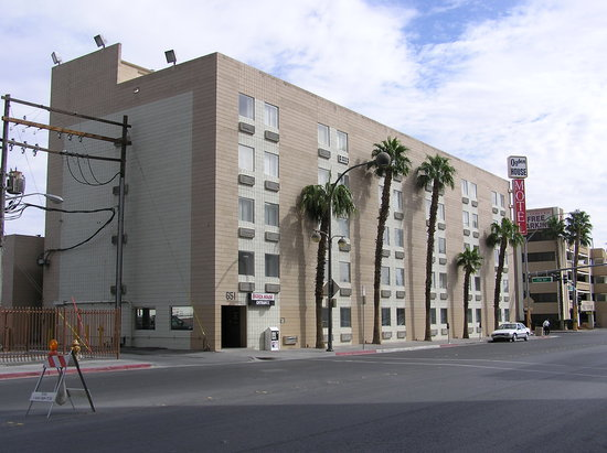 El Cortez Cabana Suites: hotel during the daytime