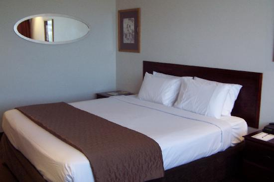 Fountainside Hotel: King-bed