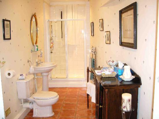 The Victorian Town House: The most welcoming bathroom in the world