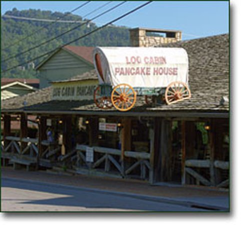 Log Cabin Pancake House : Outside of Log Cabin Panckae House