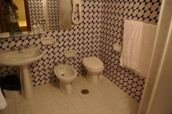 Park Hotel Blanc et Noir : et enfin de la salle de bain