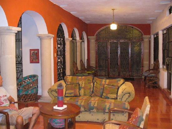 Luz En Yucatan: Inside view