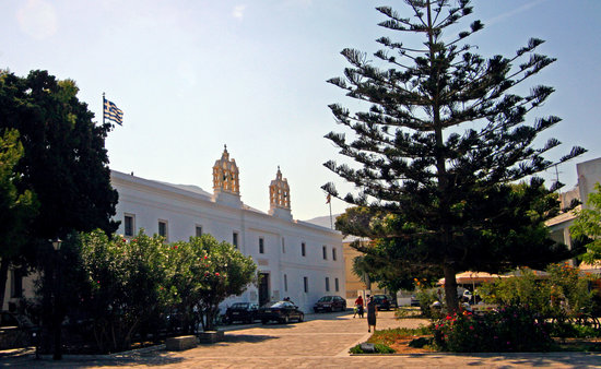 Parikia, Greece: Panagia Ekatondapiliani Cathedral