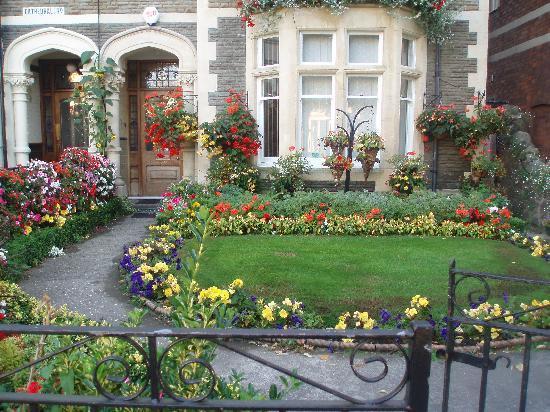 Number 62 : Stunning garden !!!