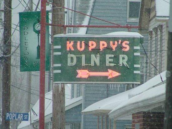 Kuppy's Diner : Kuppy's Sign