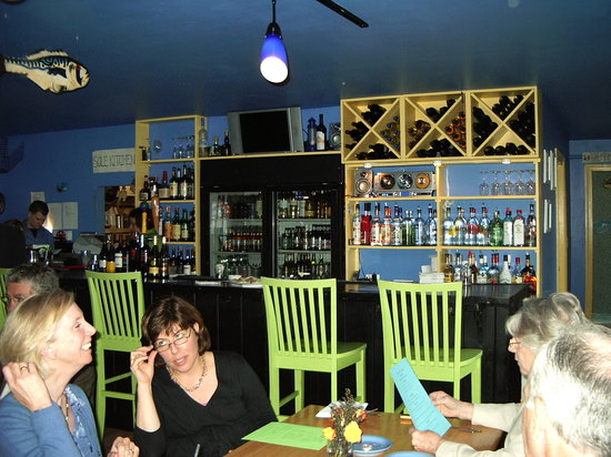 Blue-Eyed Crab Grille And Raw Bar: The Bar at the Blue-Eyed Crab