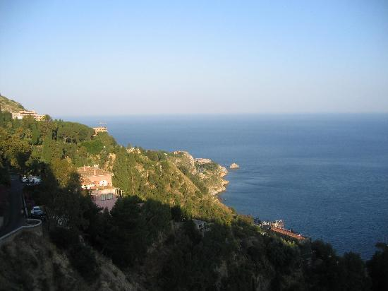 Andromaco Palace Hotel: coastline