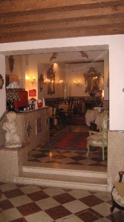 Hotel Riva: Breakfast area