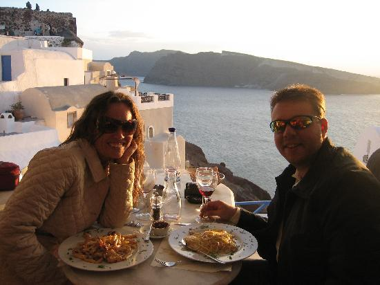 Anastasis Apartments: Sunset dinner (CUBA Rest.) in OIA