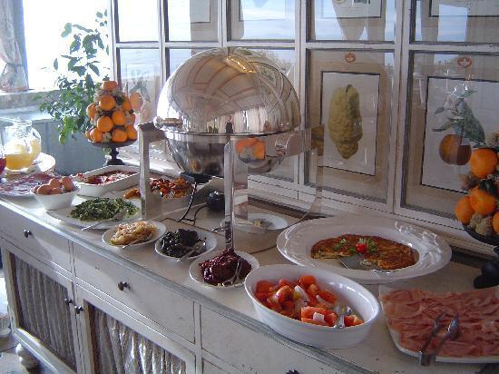 Hotel Villa Carlotta: Portion of Breakfast buffet