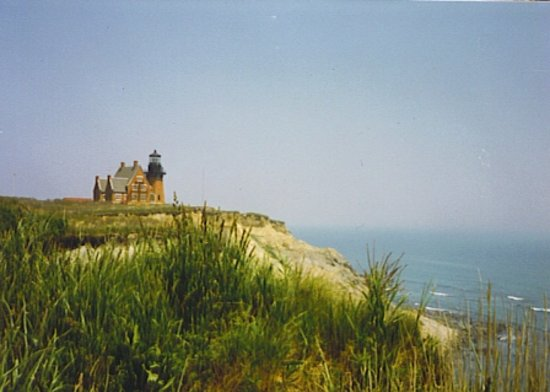 Блок-Айленд, Род Айленд: Southeast Light House - Moved back from edge of Cliffs in 1990's