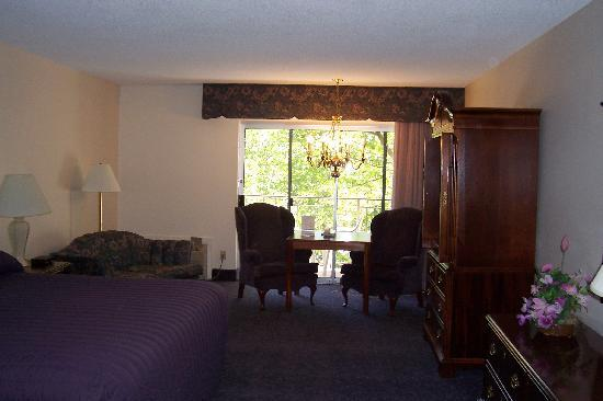 River Terrace Inn: Room #206