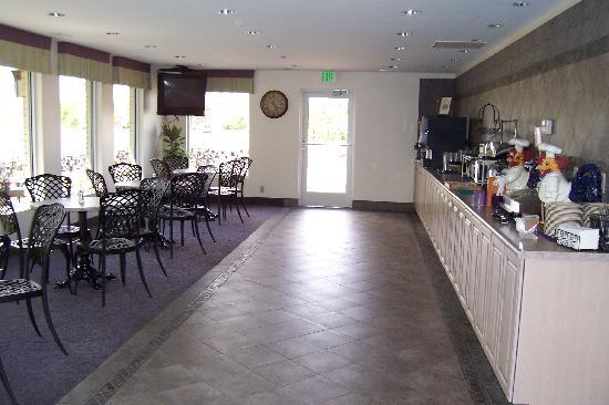 River Terrace Inn: Breakfast area