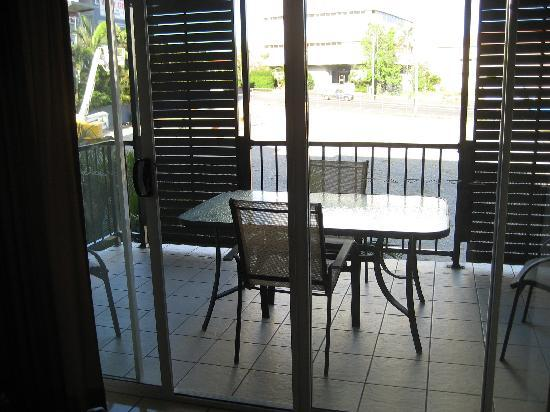 Kangaroo Point Holiday Apartments: looking out balcony