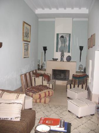 Dar Charkia : Indoor lounge
