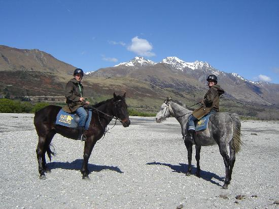 The Dairy Private Hotel: Horse Riding - Dart River Queenstown