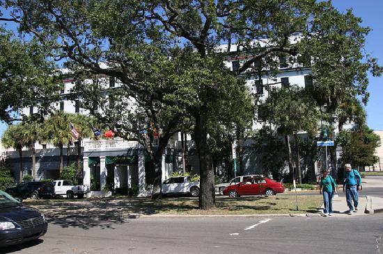 Hotel de la Monnaie: courtyard