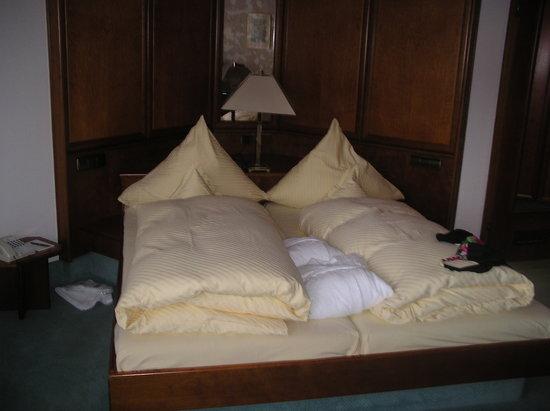 Hotel Engel Obertal: chambre à coucher