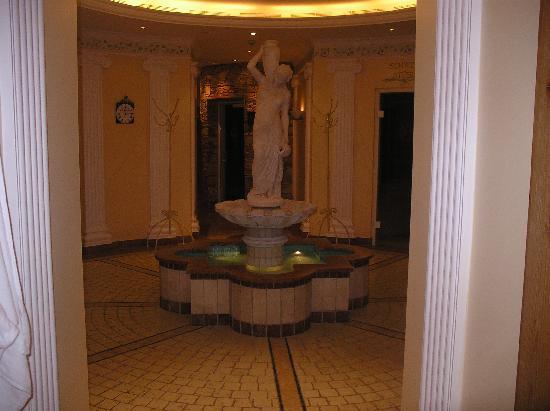 Hotel Engel Obertal : entrée des saunas, hammas...etc