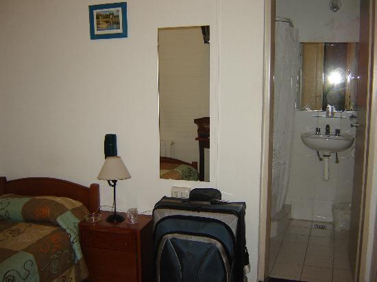 Hotel Lion d'Or: Single Room