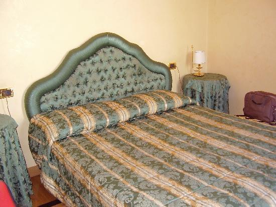 Residenza Canali ai Coronari: Bed