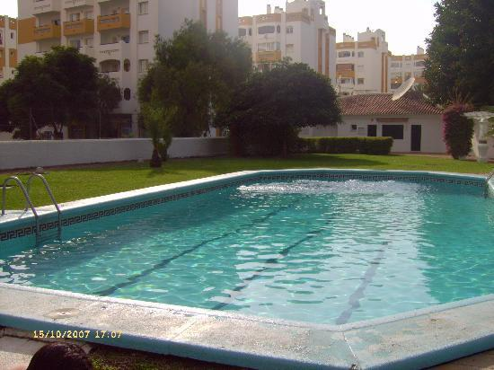Apartamentos Jardines del Gamonal : Swimming Pool