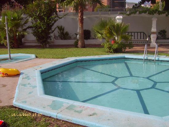 Apartamentos jardines del gamonal benalmadena costa del for Jardines del gamonal benalmadena