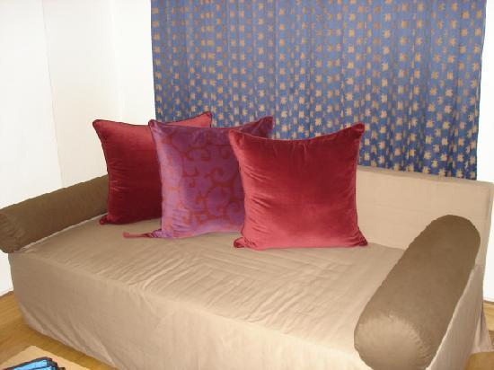 Le Palace Art Hotel: Le Palace-Sofa