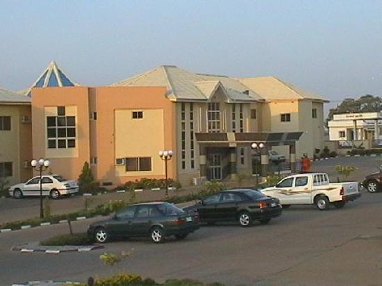 Gusau, Nigeria: entarnce to the hotel