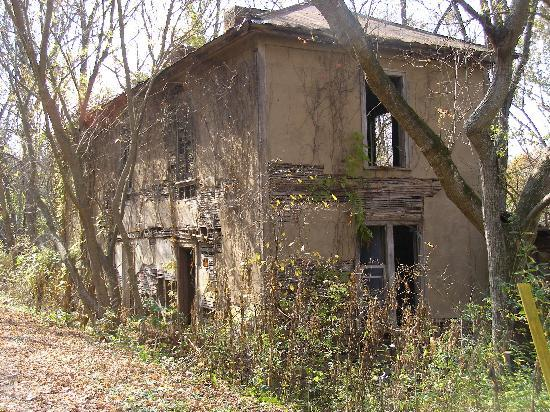 New River Trail State Park : Abandoned Cabin