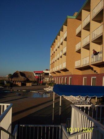 Hampton Inn Pensacola Beach: beachside hotel
