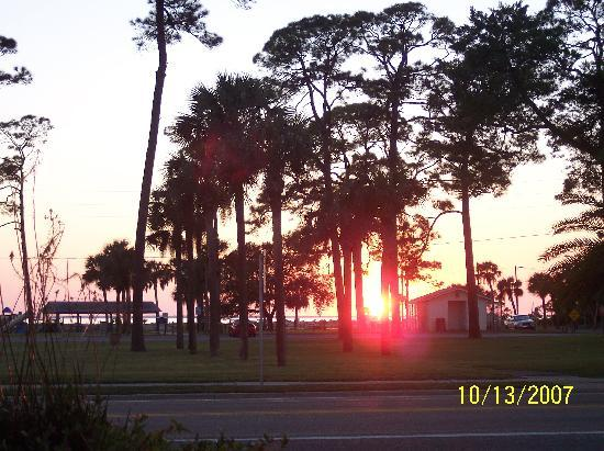 Port Inn: Sunset from rocking chairs on front porch