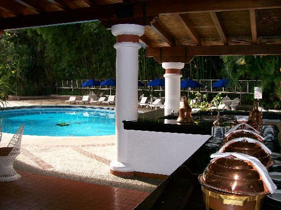 Hotel Avila : dning area and pool