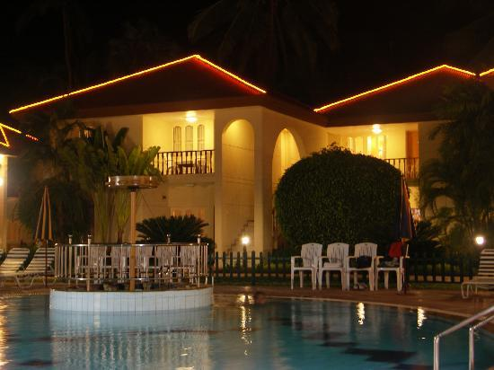 Radhika Beach Resort: VIP Suite overlooking pool area