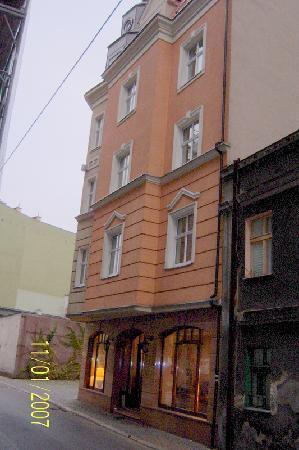 Hotel Stare Miasto: The front of the hotel