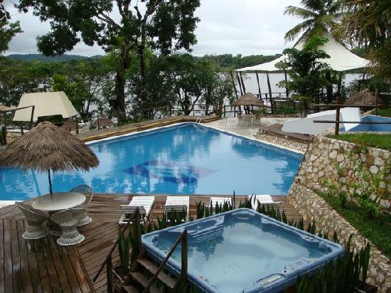 Villa Maya : Vue sur la piscine
