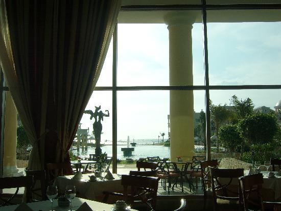 Iberostar Grand Hotel Paraiso: View from breakfast buffet