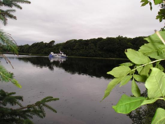 Ballinderg House B&B: Waterbus at Donegal Bay