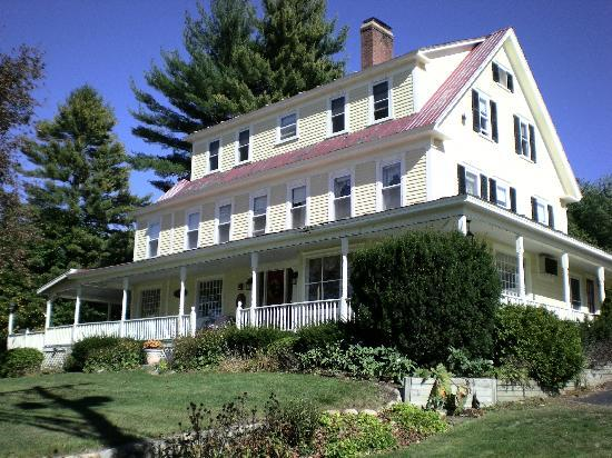 Eastman Inn, above the main road, N. Conway, NH