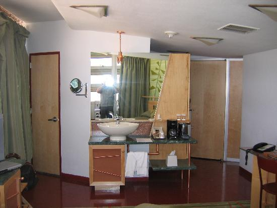 Inn at Price Tower: Reverse shot (shower and toilet through door on left)