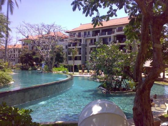 Novotel Bali Nusa Dua Hotel & Residences: Lagoon Pool