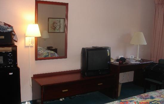 Baymont by Wyndham Cherokee Smoky Mountains: Our Room