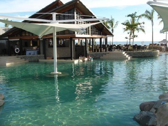 Radisson Blu Resort Fiji Denarau Island: Lagoon Pool/Bar