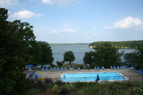 Kenlake State & Resort Park: KenLake SRP - Pool and Lake