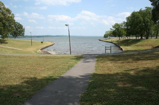Kenlake State & Resort Park: KenLake SRP - Lakeside park and recreation area
