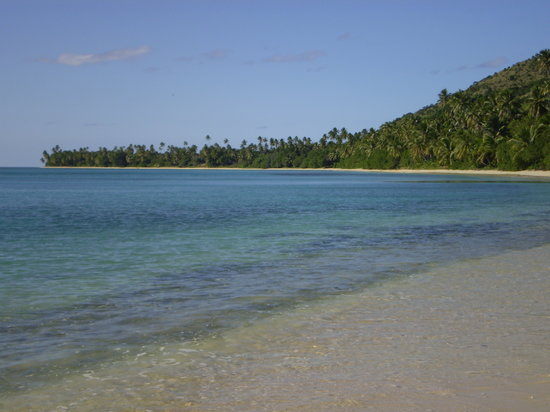Kadavu Island, Fiji: endless stretch of sand-kayak route@dive kadavu
